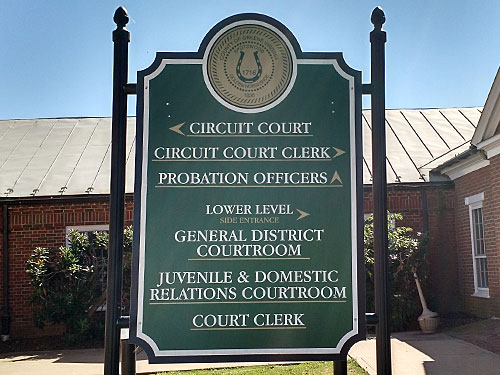 court-sign